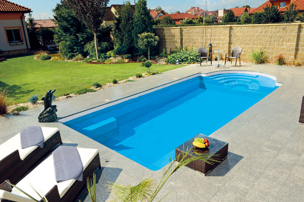 Výstavba vonkajšieho bazéna