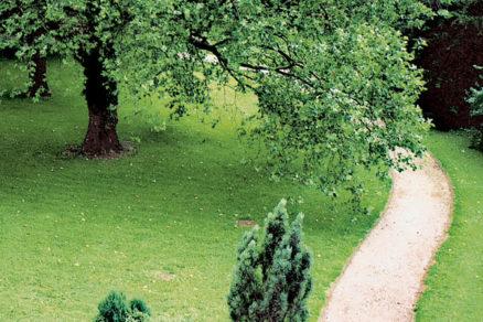 zahrada po francuzsky i po anglicky
